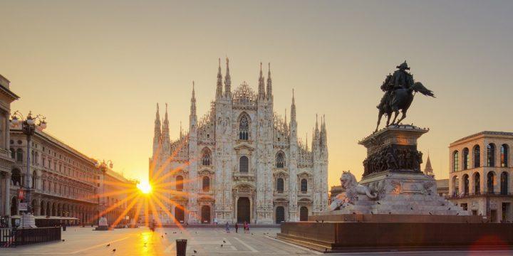 Torget med Duomo di Milano